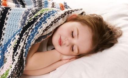 孩子晚上几点睡觉最能长高个?