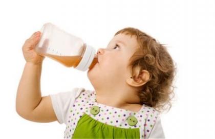 每天一杯蜂蜜水真的會導致孩子性早熟嗎?