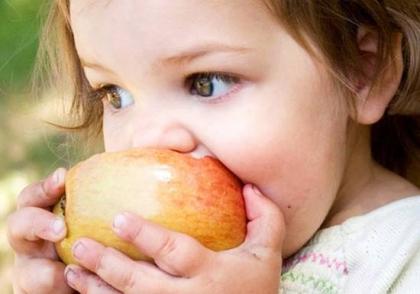 含激素的反季水果易致青少年性早熟